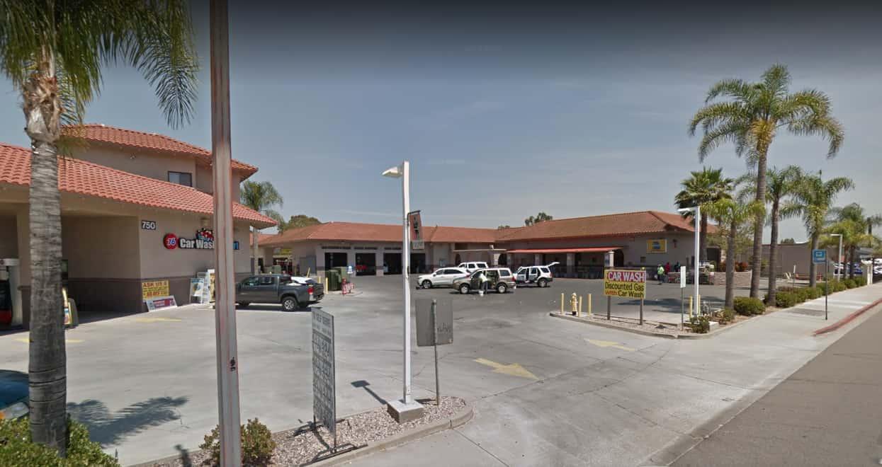 Closest Auto Glass Shop   750 N Escondido Blvd   Escondido